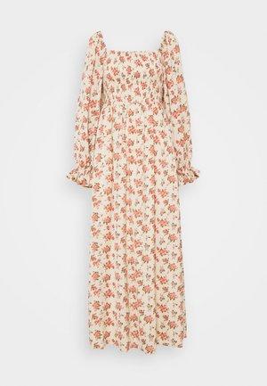 FLORAL FRILL CUFF SHIRRED DRESS - Maxi šaty - nude
