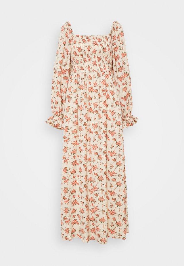 FLORAL FRILL CUFF SHIRRED DRESS - Maxikjole - nude