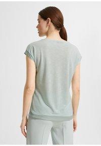 comma - Basic T-shirt - light green - 2