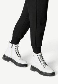Tamaris - Platform ankle boots - white/black - 0