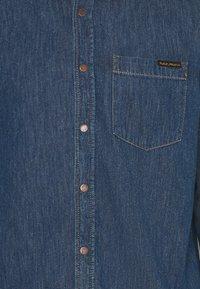Nudie Jeans - ALBERT - Skjorta - mid worn - 2