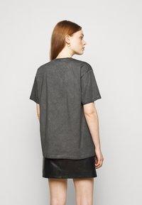 MICHAEL Michael Kors - ROCK STAR TEE - Camiseta estampada - washed black - 2
