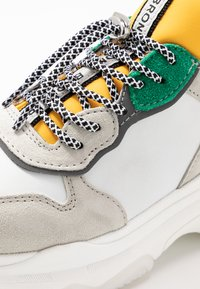 Bronx - BAISLEY - Trainers - white/yellow/silver - 2