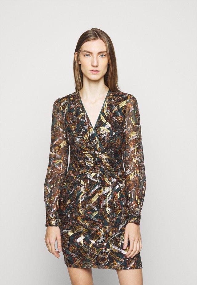 ENRICO DRESS - Korte jurk - multi/verde/arancione