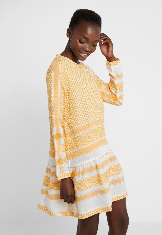 DRESS - Korte jurk - yellow