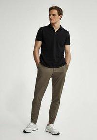 Massimo Dutti - SHORT SLEEVE - Polo shirt - black - 0