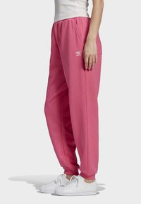 adidas Originals - CUFFED  - Tracksuit bottoms - sesopk - 2