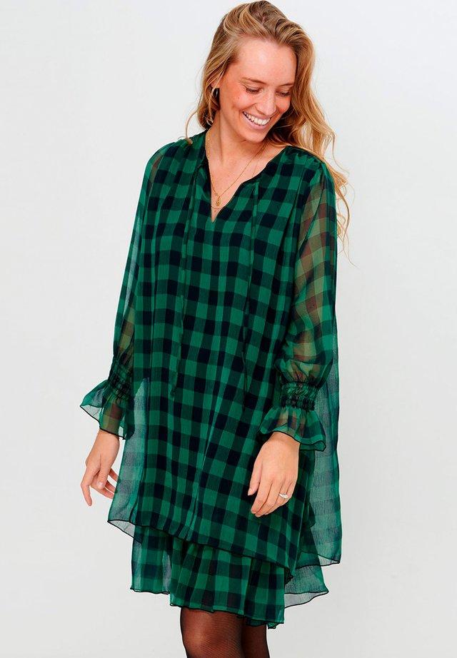 CASSY - Korte jurk - black green checks