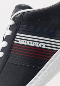Tommy Hilfiger - ESSENTIAL CORPORATE CUPSOLE - Trainers - blue - 5