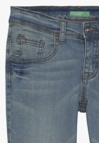 Benetton - TROUSERS - Jeansy Slim Fit - light blue - 2