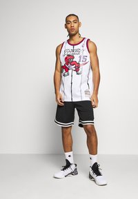 Mitchell & Ness - NBA TORONTO RAPTORS - VINCE CARTER - Article de supporter - white - 1