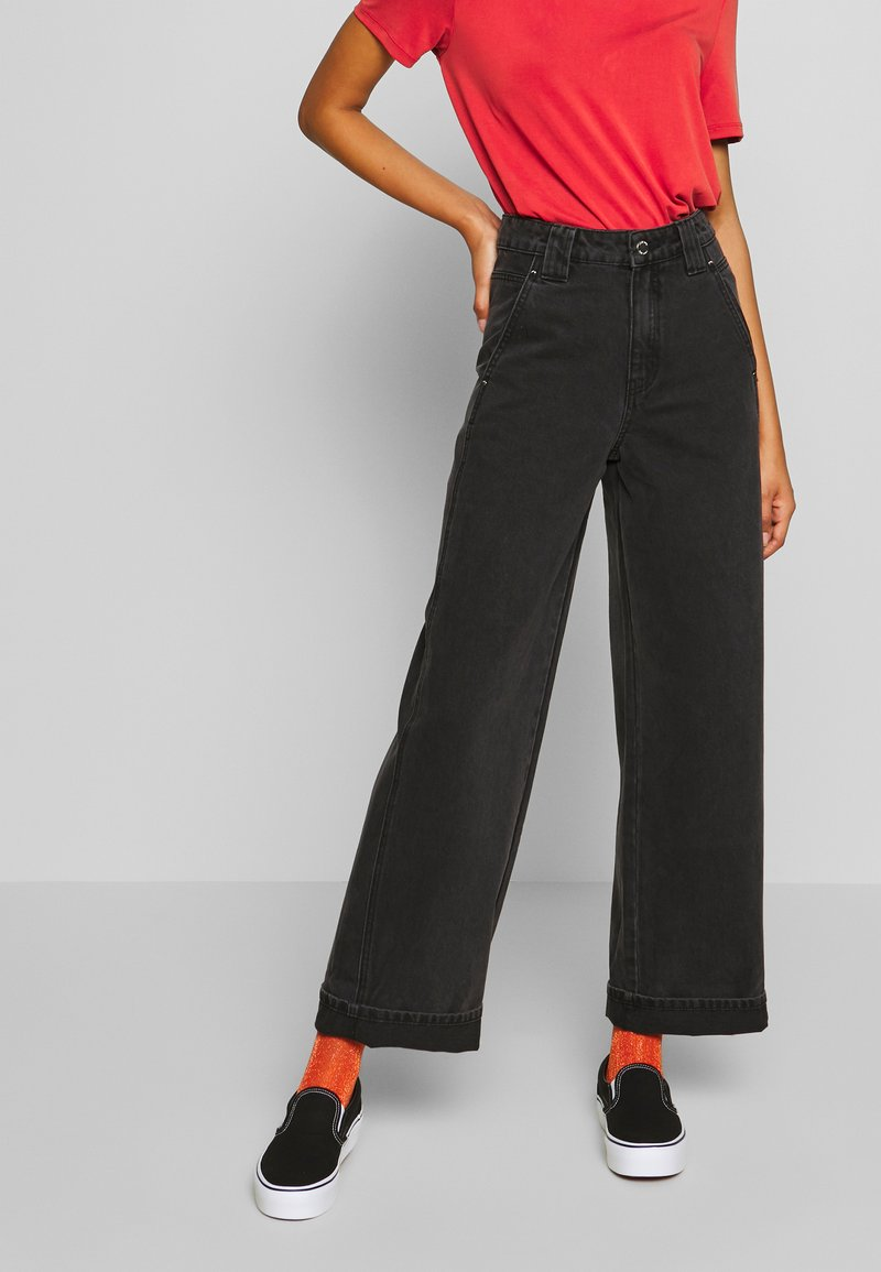 Lost Ink - Flared Jeans - black