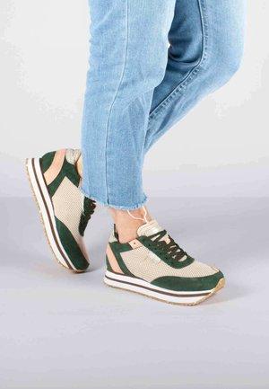 AVA MESH - Sneakers - grün