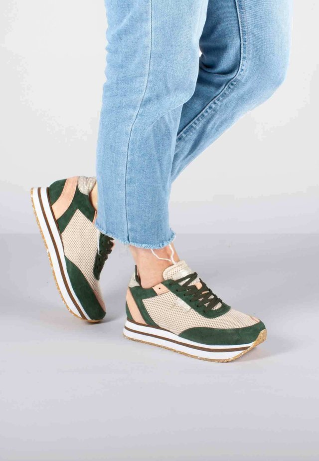 AVA MESH - Sneakers basse - grün