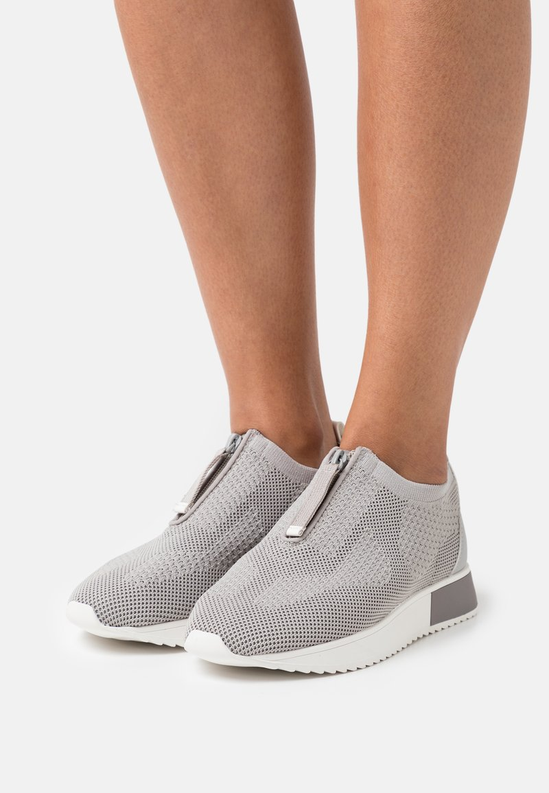 River Island Wide Fit - Baskets basses - grey
