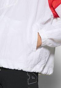 Nike Sportswear - LIGHTWEIGHT JACKET - Lett jakke - white/track red/black - 5