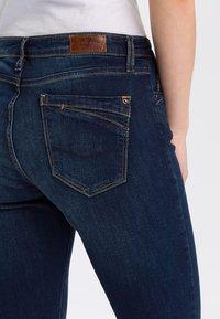 Cross Jeans - LAUREN - Bootcut jeans - deep blue - 4
