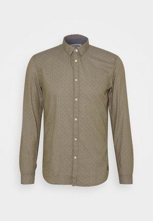 HIDDEN BUTTON DOWN - Shirt - green