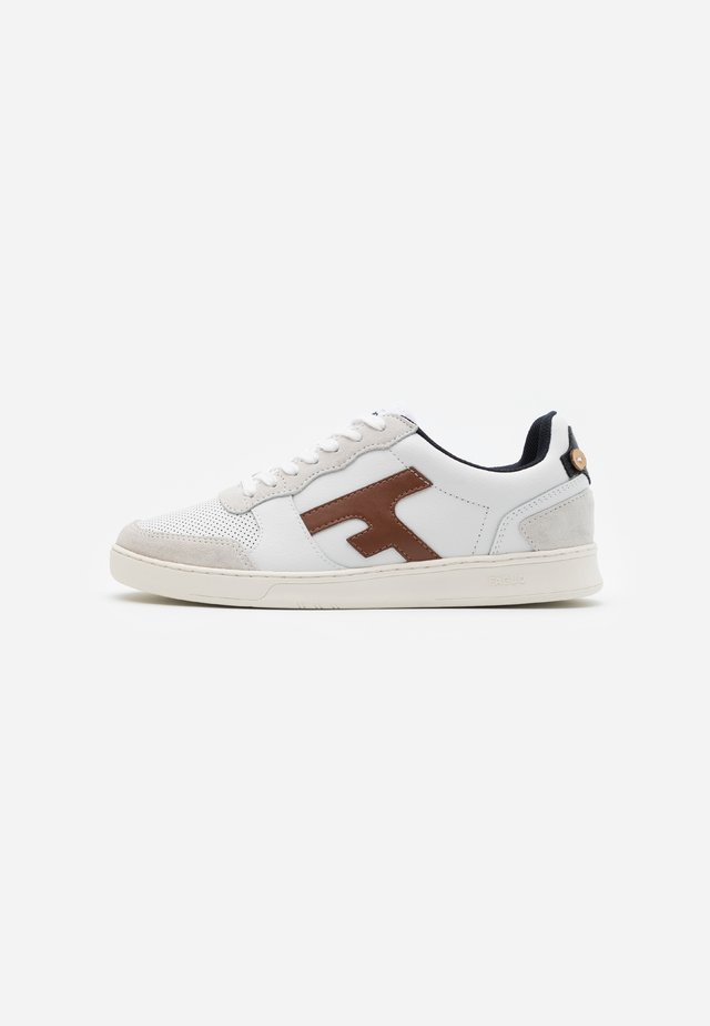 HAZEL BASKETS  - Trainers - offwhite/camel
