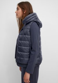 Marc O'Polo - RECYCLED VEST FIX HOOD STAND UP COLL - Waistcoat - midnight blue - 3