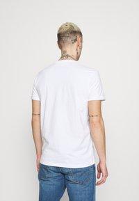 Lee - TWIN CREW 2 PACK - T-shirt basic - white - 2