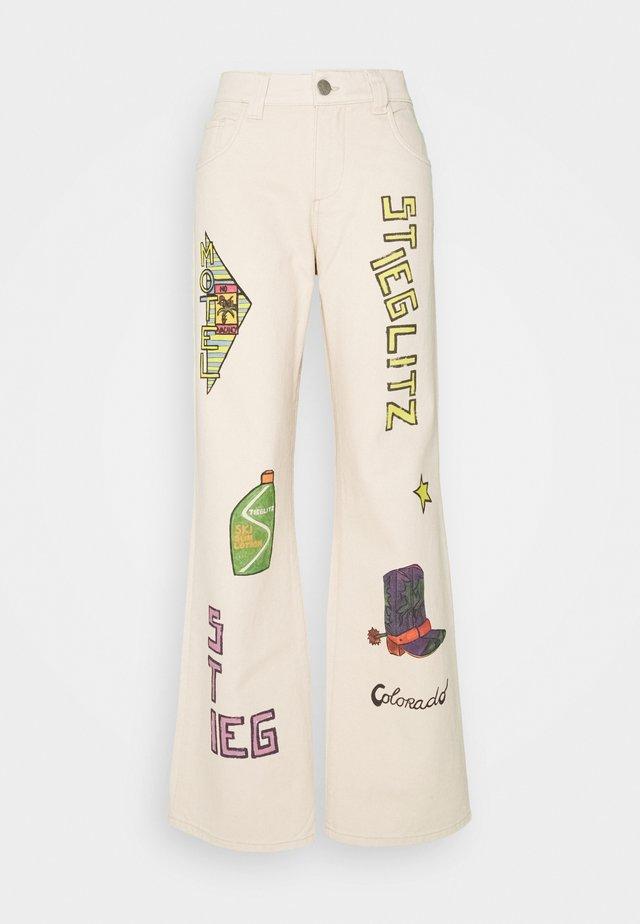 OTIS PANTS - Trousers - brown