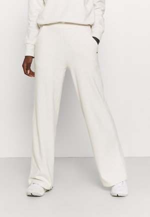 SOFT TOUCH - Tracksuit bottoms - birch