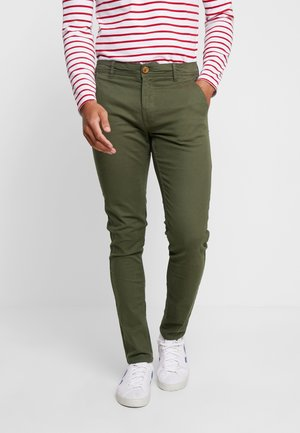 BHNATAN PANTS - Chinosy - olive night green