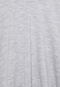 Wallis - Cape - grey - 2