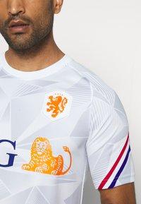 Nike Performance - NIEDERLANDE KNVB - Voetbalshirt - Land - white/safety orange - 5