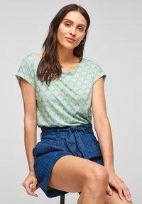 s.Oliver - Print T-shirt - ocean green aop - 6