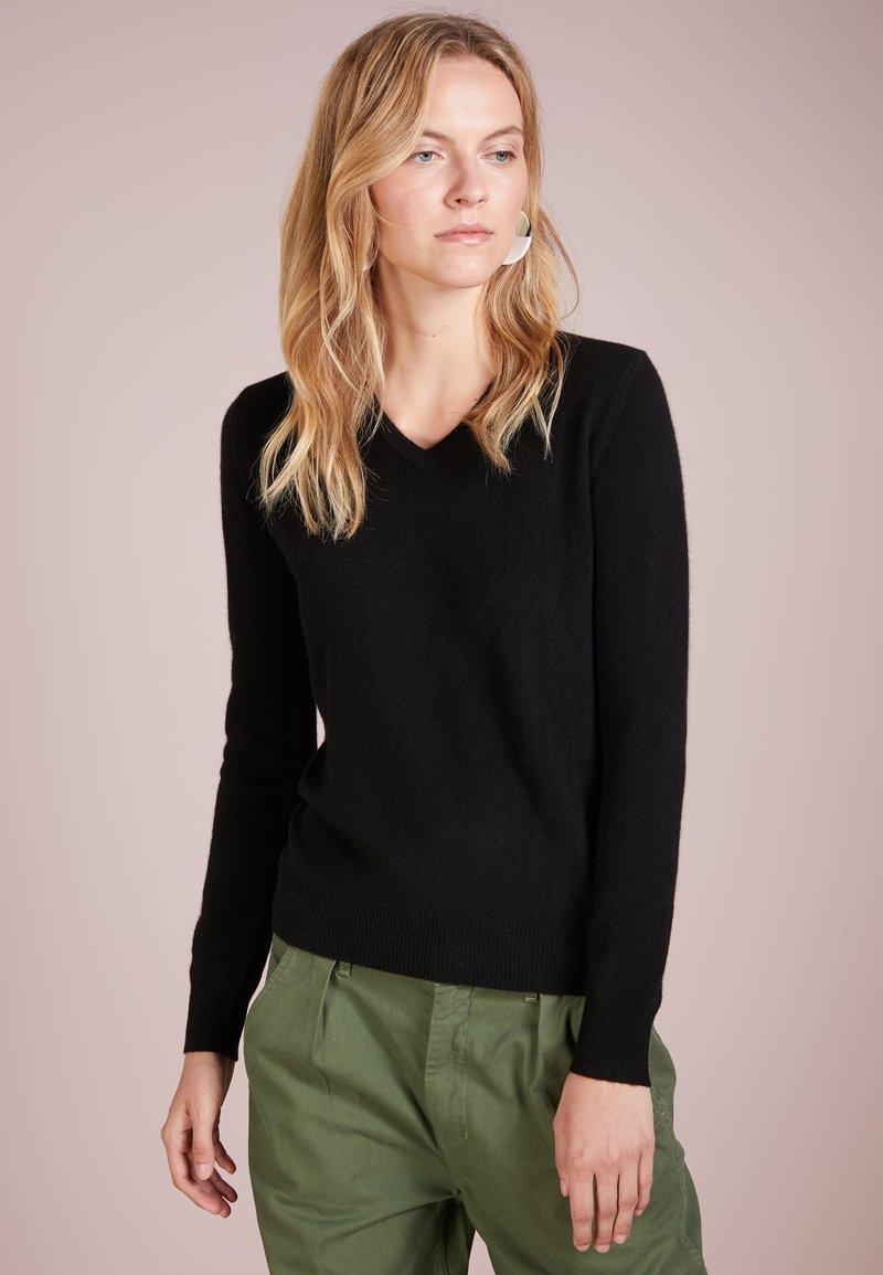 pure cashmere - V NECK - Jumper - black