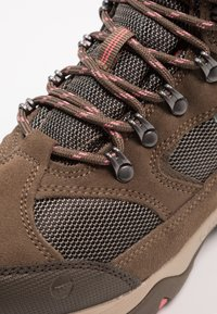 Hi-Tec - STORM WP WOMENS - Outdoorschoenen - taupe/dune/georgia peach - 6