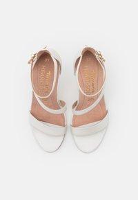 Tamaris Heart & Sole - Sandalen met hoge hak - white pearl - 5