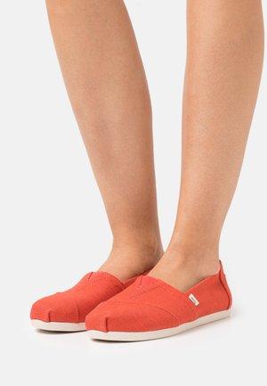 ALPARGATA VEGAN - Nazouvací boty - red