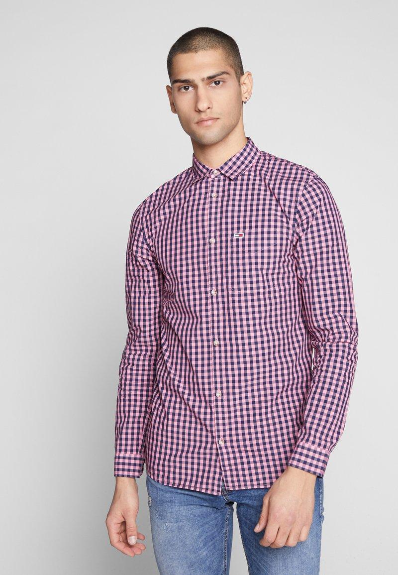 Tommy Jeans - OVERDYE - Shirt - pink/twilight navy