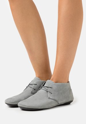 RIGHT NINA - Sportieve veterschoenen - light grey