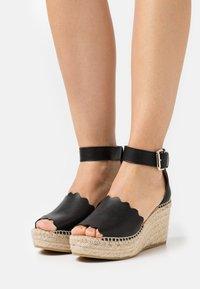Kanna - CAPRI - Platform sandals - schwarz - 0