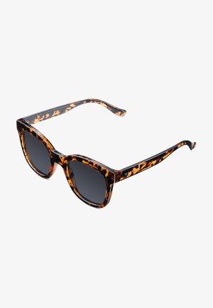 MAHE - Sunglasses - tigris carbon