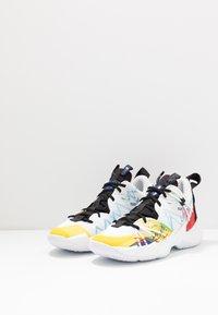 Jordan - WHY NOT SE - Basketball shoes - white/university red/black/hyper blue/lightening/blue glow - 2