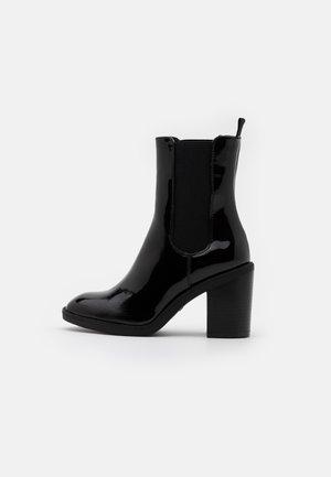 High Heel Stiefelette - black