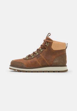MONTESANO BOOT V2 - Hiking shoes - peanuts/shitake/sperry