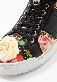 Guess - FREETA - Sneakersy wysokie - multicolor - 2