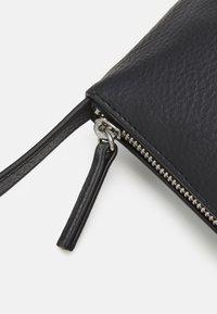 Monki - GIGI BAG UNIQUE - Handbag - black - 3