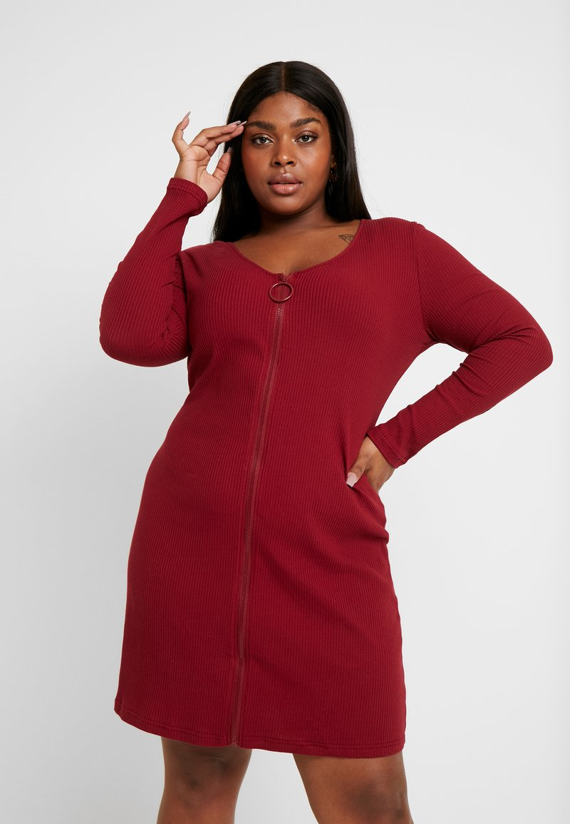 Glamorous Curve - ZIP THROUGH LONG SLEEVE DRESS - Denní šaty - burgundy