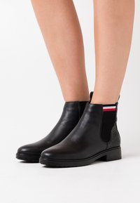 Tommy Hilfiger - CLASSIC WARMLINED - Ankle boots - black - 0