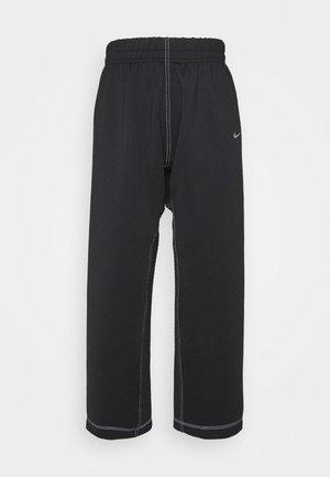 PANT - Pantalones deportivos - black/metallic silver