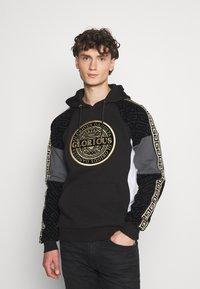 Glorious Gangsta - BOTTAGOHOODIE - Jersey con capucha - black - 0