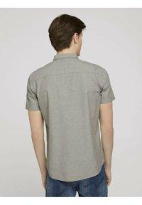 TOM TAILOR DENIM - Shirt - light olive chambray - 2