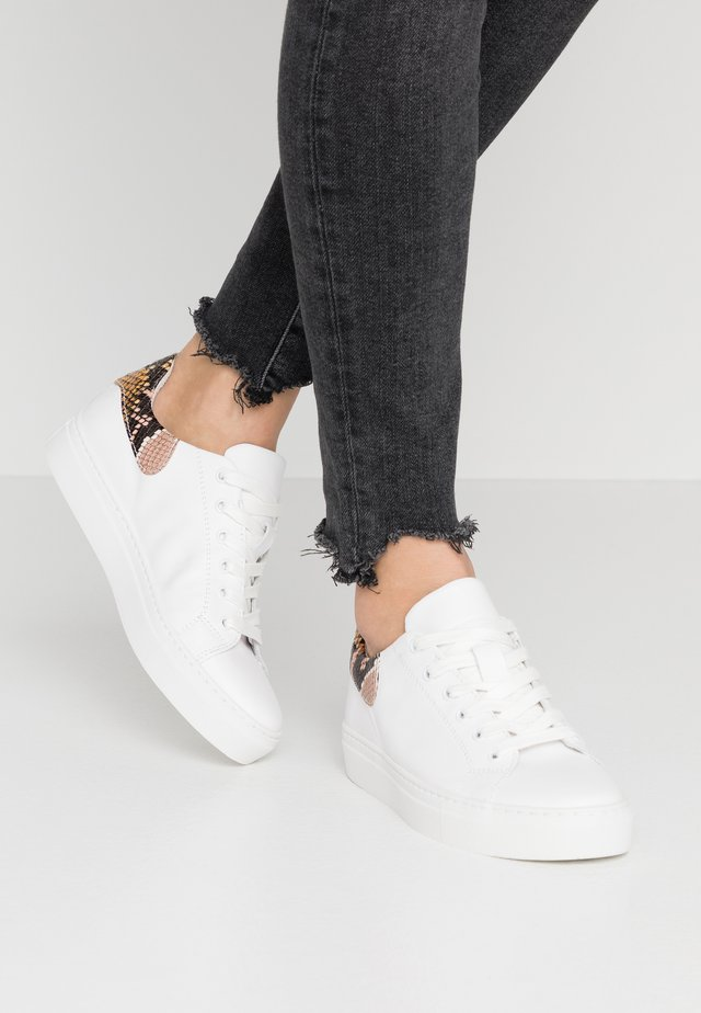 BIASERON  - Trainers - white